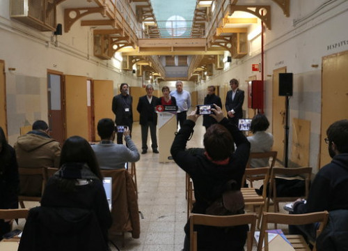 Press conference of the Network of Cities against Francoist Impunity after its meeting (by Laura Fíguls)
