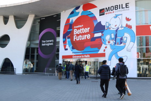 Visitors arriving in the Mobile World Congress (by Andrea Zamorano)