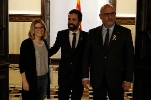 Elsa Artadi, Roger Torrent, and Eduard Pujols at parliament on Monday (by ACN)