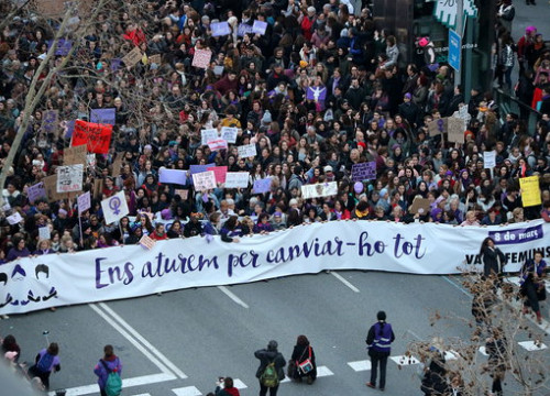Image of Barcelona's mass feminist demonstration on the evening of March 8, 2018 (by Gemma Sánchez)