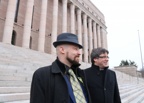 The Catalan president Carles Puigdemont with Finnish MP Mikko Kärna in Finland (by ACN)