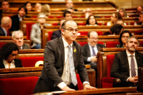 Jailed Catalan leader Jordi Turull in parliament (by ACN)