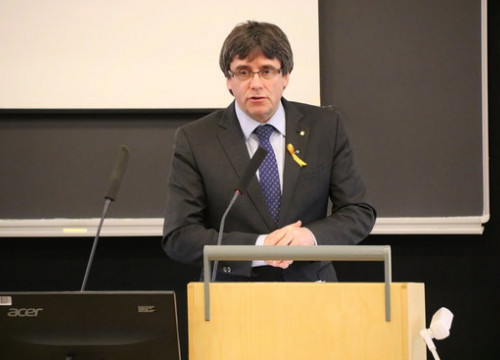 Puigdemont speaking at the University of Helsinki (by ACN)