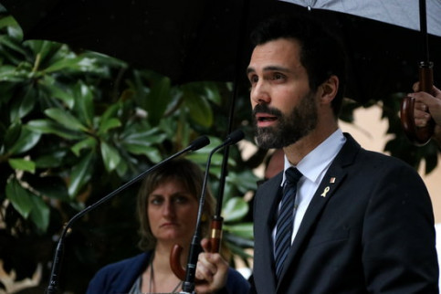 Parliament speaker Roger Torrent speaks at the annual event to pay homage to victims of the Francoist dictatorship on April 13 2018 (by Laura Batlle)