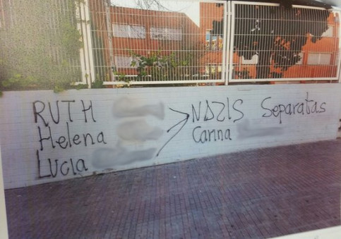 Tags appeared in the Sant Andreu de la Barca high school building listing the names and surnames of the professors under investigation (by ACN)