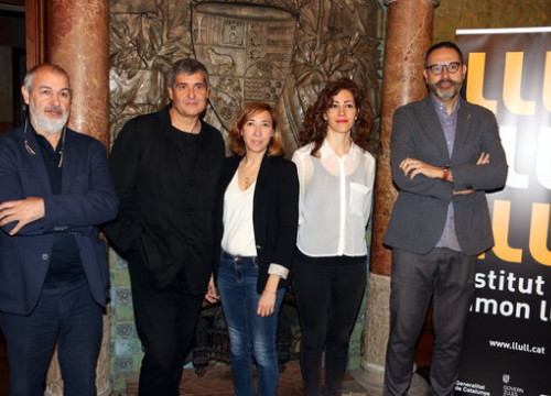 Group behind Catalan pavilion at Venice Biennale 2018 (by ACN)
