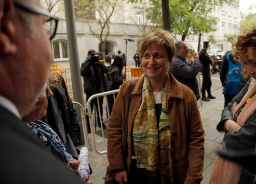 Former parliament bureau member Anna Simó at the entrance of Spain's Supreme Court in Madrid (by ACN)