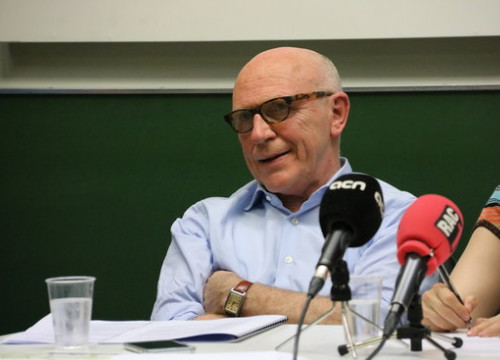 The lawyer of the deposed Catalan ministers in Brussels, Paul Bekaert, in a debate in Antwerp on April 8, 2018 (by Blanca Blay)