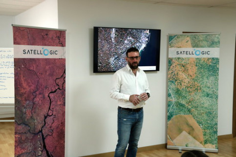 Satellogic chief data scientist Marco Bressan at presentation of new HQ in Barcelona (by Luis Rodríguez)