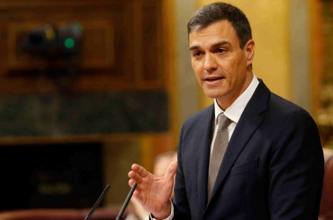 Socialist leader Pedro Sánchez in parliament (by Javier Barbancho)