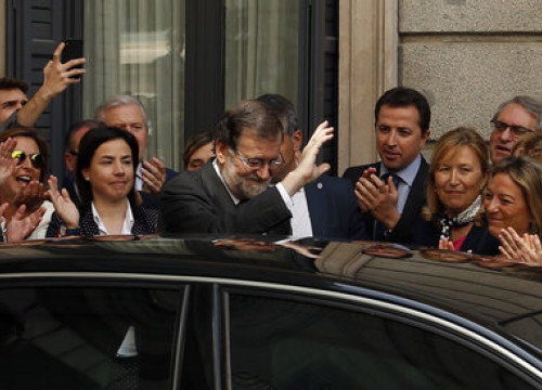 Mariano Rajoy leaves the Spanish Parliament after being ousted in a no confidence vote on June 1 (by Javier Barbancho)