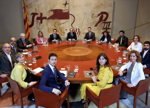 Quim Torra's cabinet during its first meeting on June 3, 2018 (by Jordi Bedmar)