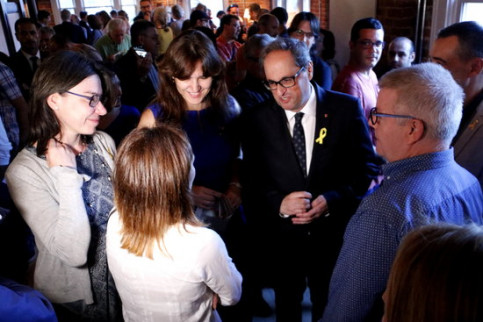 The Catalan president, Quim Torra, along with the Culture minister, Laura Borràs, and some Catalans taking part in the Smithsonian Folklife Festival in Washington (by Rafa Garrido)
