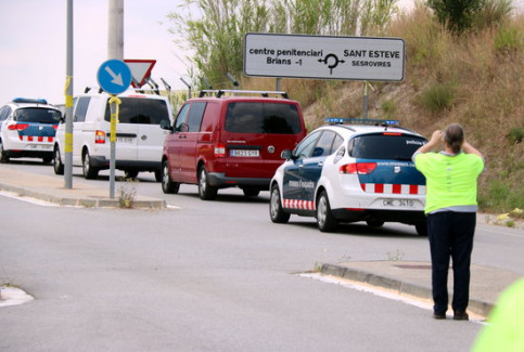Jordi Turull, Josep Rull, Joaquim Forn finish relocation to Catalan prison (by ACN)