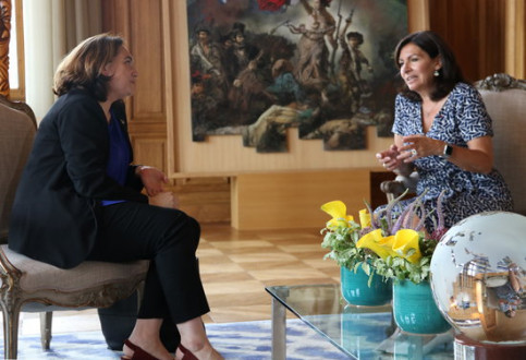 Ada Colau and Anne Hidalgo meet in the Paris City Hall on July 11 2018 (by Blanca Blay)
