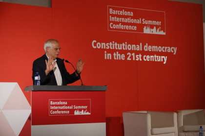 The Spanish foreign minister, Josep Borrell, during an event hosted by Societat Civil Catalana unionist group, on July 15, 2018 (by Guillem Roset)