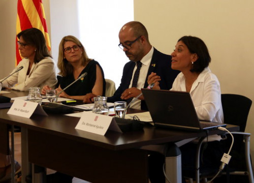 Catalan ministers Elsa Artadi and Miquel Buch present a survey on gender-based violence (by Laura Fíguls)