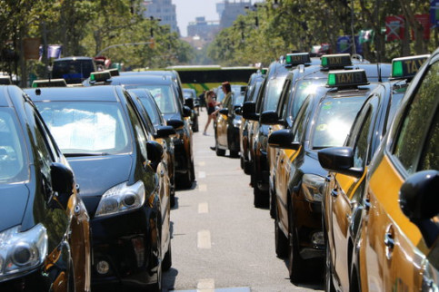 Taxi drivers protest in Barcelona (by ACN)