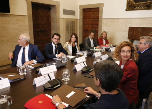 Catalan and Spanish governments meet in first bilateral summit in 7 years (by ACN)