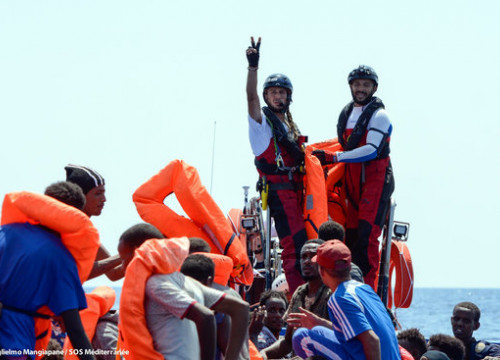Migrants saved by the Aquarius crew (by Guglielmo Mangiapane/MSF)