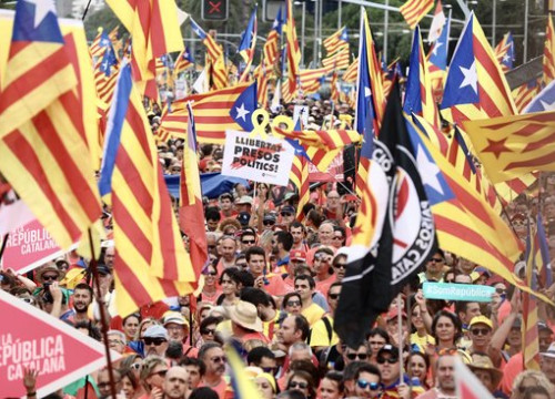 Catalan independence flags during Catalonia's national day march on September 11 2018 (by Jordi Play)