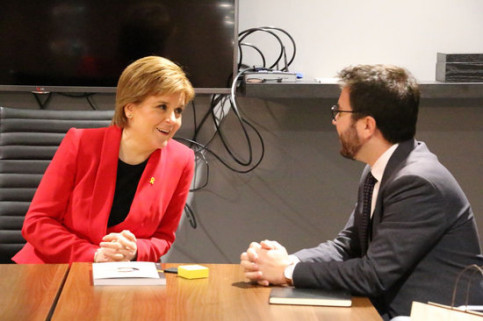 Scottish first minister Nicola Sturgeon and Catalan vice president Pere Aragonès (by Catalan government)