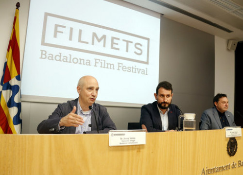 Two local Badalona officials and the film festival director (right), Agustí Argelich on October 16, 2018 (by Jordi Pujolar)