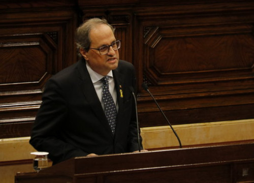 The Catalan president, Quim Torra, talking before the plenary session of the Parliament on November 7, 2018 (by Mariona Puig)