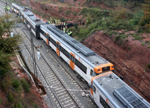 Train derails in central Catalonia (by ACN)