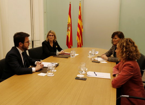 The Catalan ministers Aragonès and Artadi (left), with the Spanish ministers Calvo and Batet on December 21, 2018 (by Marc Bleda)