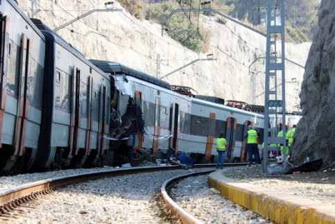 The two trains that crashed in Castellgalí (by Norma Vidal)