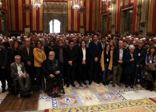"Catalan mayors during event that called for a ""fair and impartial"" independence trial (by Laura Fíguls)"