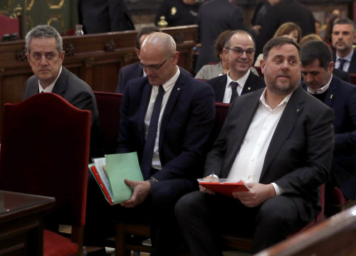 Pro-independence leaders sit in the dock in Spain's Supreme Court (by EFE)