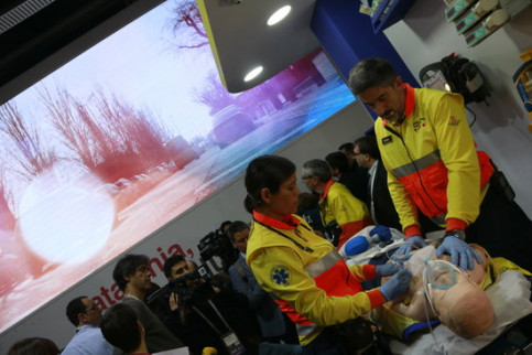 Image of the new ambulance connected with 5G at the Mobile World Congress on February 25, 2019 (by Núria Julià)