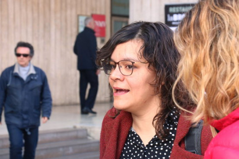 CUP politician Natàlia Sànchez speaking with the press in Barcelona