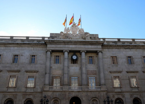 The façade of Barcelona's city hall this morning after the yellow ribbon was removed (Photo: Nazaret Romero)
