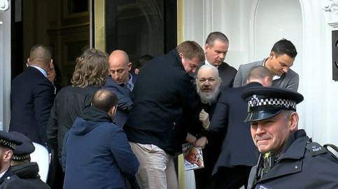 Image of activist Julian Assange arrested in London on April 11, 2019 (by Ruptly)