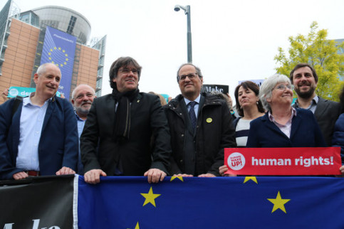 Former Catalan president Carles Puigdemont (third from left) and former ministers Antoni Comín (furthest right) and Clara Ponsatí (second from right) (by ACN))