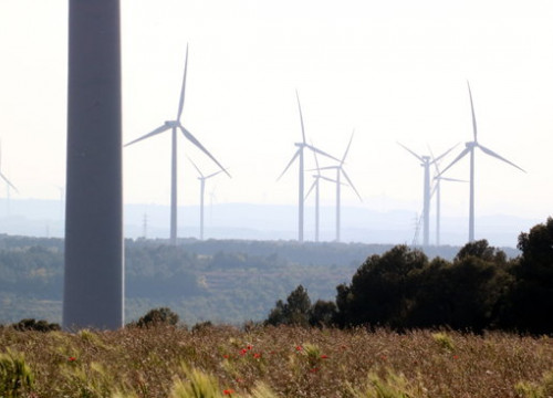 A wind farm in the Terra Alta region of southern Catalonia (Photo: Anna Ferràs)