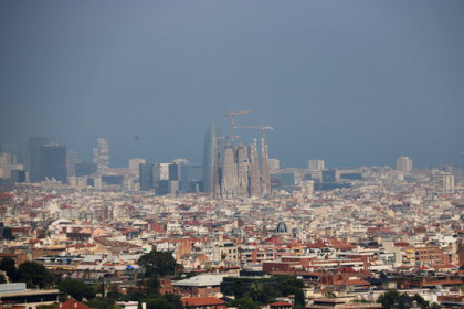 Aerial view of the city of Barcelona, with the Sagrada Familia centered in the photo. (Photo: Nazaret Romero)