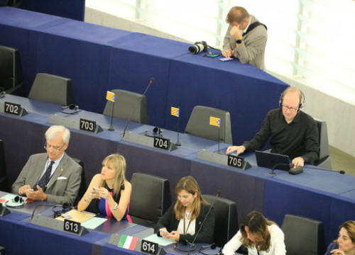 Empty seats at the European Parliament's opening session to symbolize that jailed and exiled Catalan leaders were not allowed to become MEPs (by ACN)