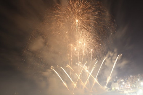 A moment from the opening night of the fireworks show in Blanes. (Photo: Lourdes Casademont)