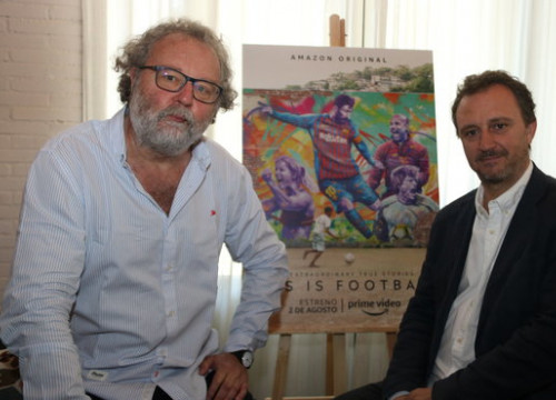 The creators of 'This is Football,' John Carlin and Raimon Masllorens, on July 31, 2019 (by Pau Cortina)
