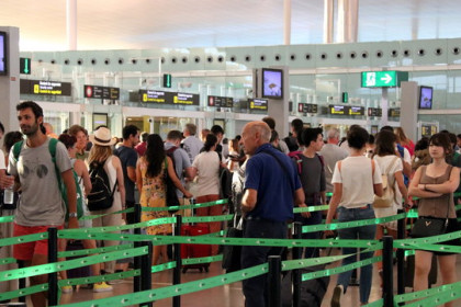 Queues at the security check of Barcelona airport on the first day of the security staff strike on August 9, 2019. (Photo: Norma Vidal)