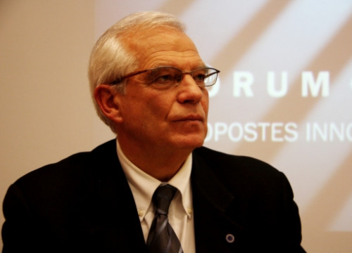 Josep Borrell presents his new book in Barcelona on November 11 2011 (by Maria Fernández)