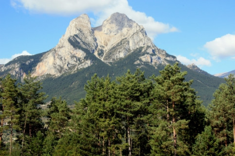 The Pedraforca mountain in Berguedà (by Estefania Escolà)