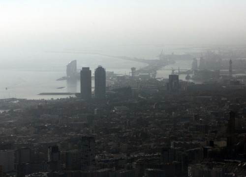 Barcelona during an emergency air quality situation (by ACN)