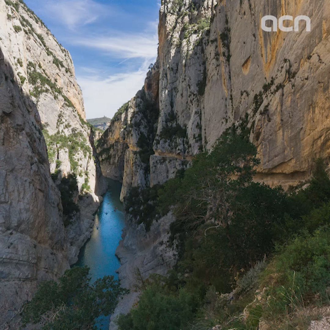 Catalan and Aragonese authorities agree deal to maintain broken bridge spanning spectacular natural canyon