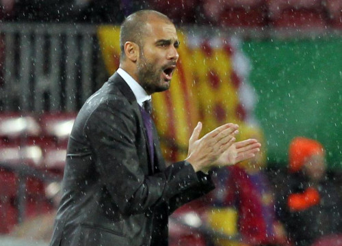 Pep Guardiola cheering at his team in a League match agains Tenerife (by FC Barcelona)