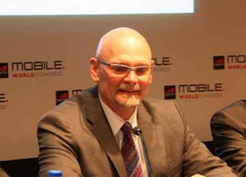 John Hoffman, GSMA CEO, presenting in Barcelona the 2012 Mobile World Congress (by J. Pueyo)